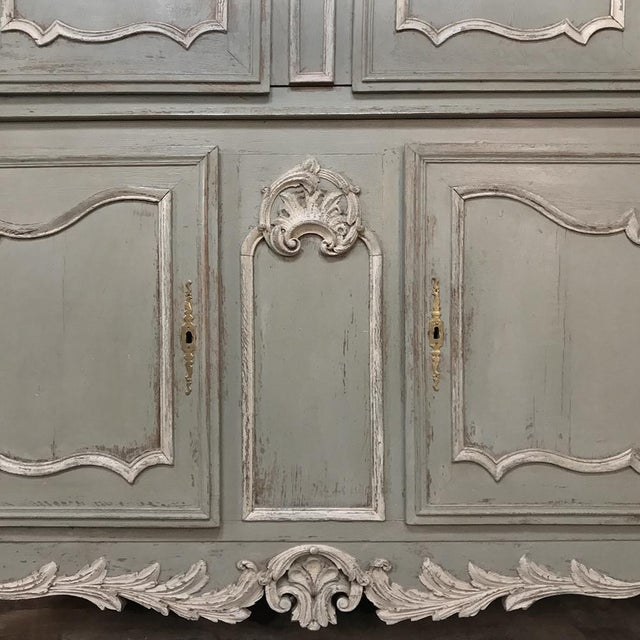18th Century Country French Painted Provincial Buffet a Deux Corps For Sale In Dallas - Image 6 of 13