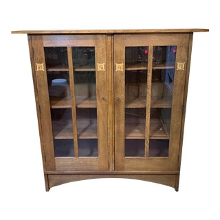 1980s Stickley Arts and Crafts Oak Storage Cabinet For Sale