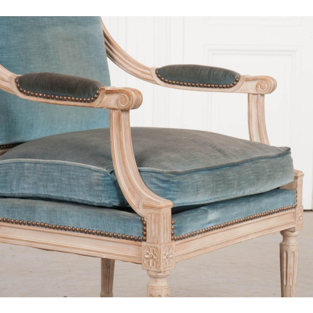 19th Century French Louis XVI Style Painted Fauteuil Chair For Sale In Baton Rouge - Image 6 of 12