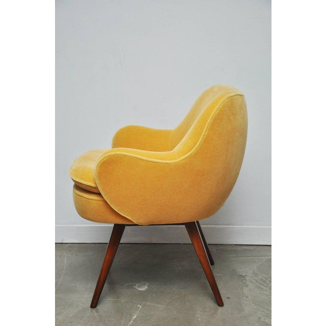 Vladimir Kagan Walnut Frame Lounge Armchair For Sale In Chicago - Image 6 of 11