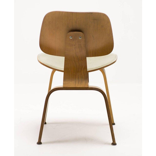 Traditional Rare Charles and Ray Eames DCW Chair in Green Leather For Sale - Image 3 of 10