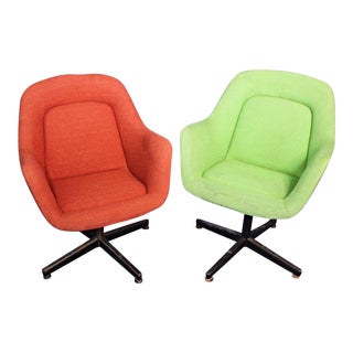 Vintage Knoll Mid-Century Modern Club Armchairs - A Pair For Sale