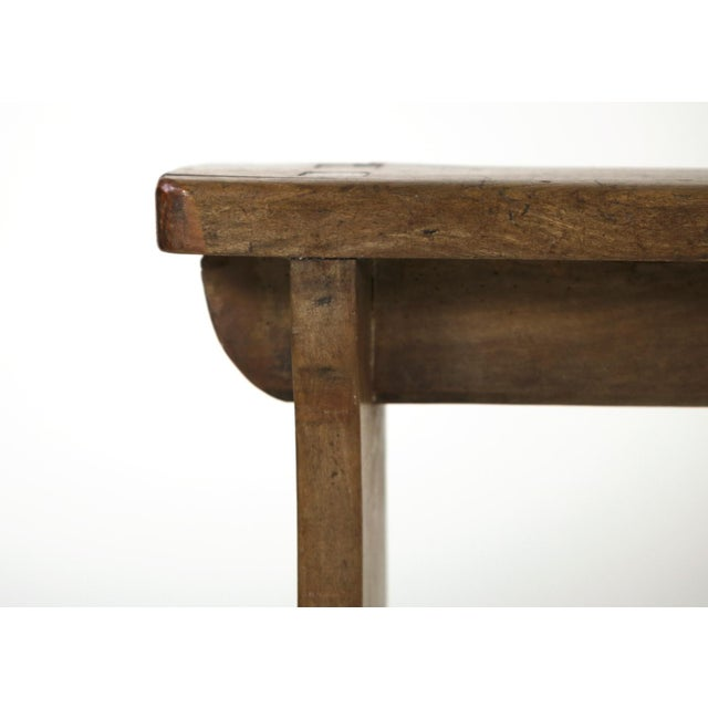 1880s English Narrow Fruitwood Bench For Sale - Image 10 of 13