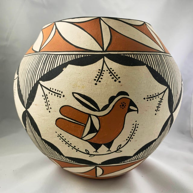 Rustic Southwestern Acoma Pueblo Polychrome Olla Parrot Jar For Sale - Image 3 of 13