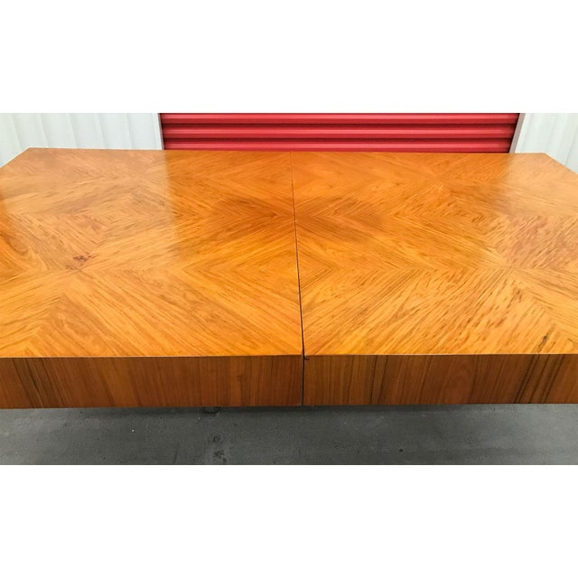 Wood Mid-20th Century Milo Baughman / Thayer Coggin Burl Dining Table For Sale - Image 7 of 12