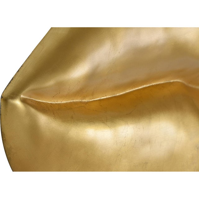 Modern Kiss Kiss Resing Gold Wall Décor For Sale - Image 3 of 7