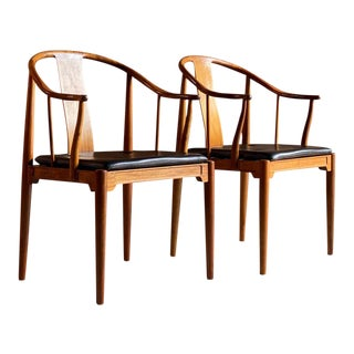 1970s Hans Wegner for Fritz Hansen Chairs in Walnut - a Pair For Sale