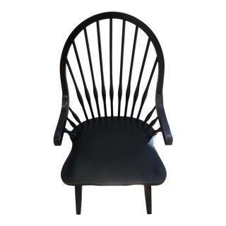 Modern American Classical Broyhill Windsor Chair For Sale