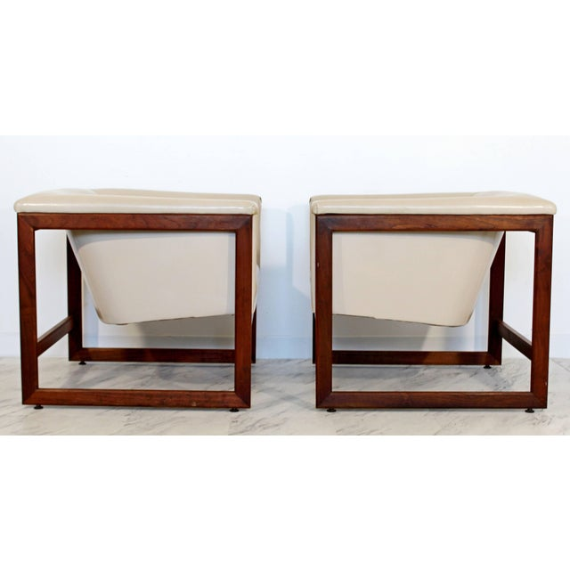 Milo Baughman Pair of Mid-Century Modern Milo Baughman Floating Cube Walnut Lounge Chairs For Sale - Image 4 of 10