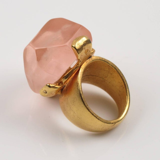 2000 - 2009 Dominique Denaive Paris Oversized Pink Resin Stone and Gilt Metal Cocktail Ring For Sale - Image 5 of 11