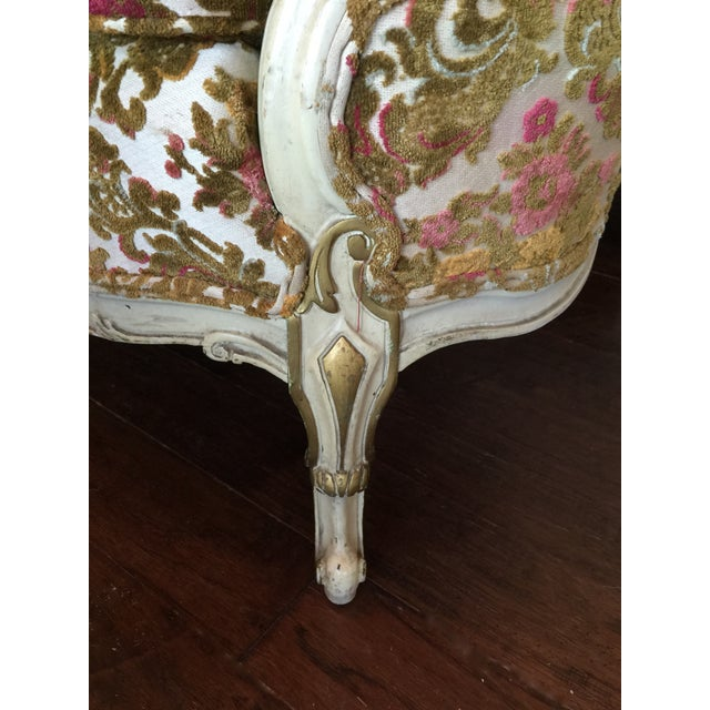 Painted French Settee with Gilt Accents For Sale - Image 4 of 11