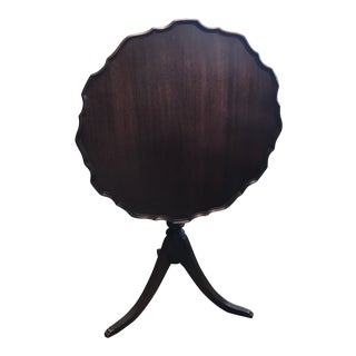 1940s Traditional Tilt Top Table For Sale