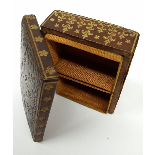 Mini Fleur-de-Lis Leather Box - Image 10 of 10