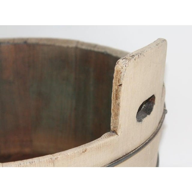 This Shaker style wash tub has double handles and is in sturdy tight condition. The patina is great and it has three...