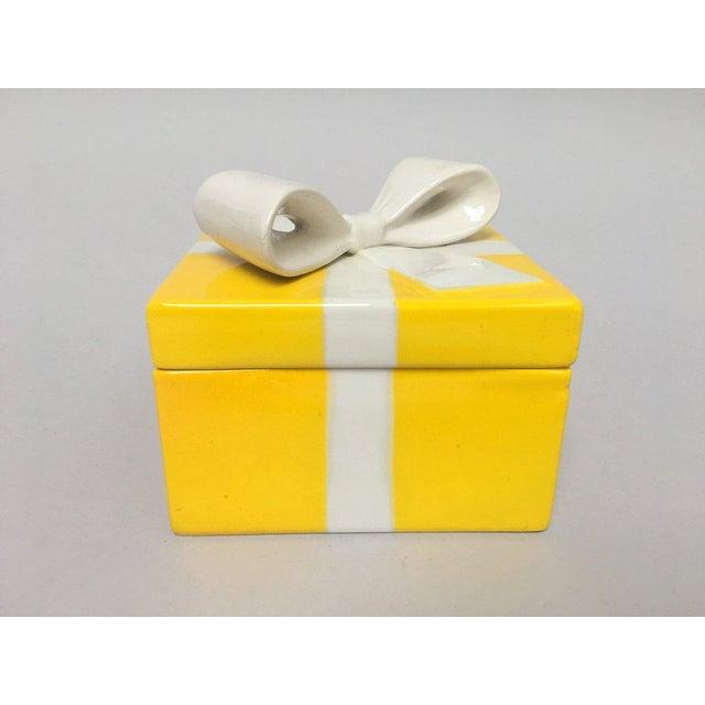 Mancioli Italy Yellow Porcelain Covered Gift Box - Image 11 of 11