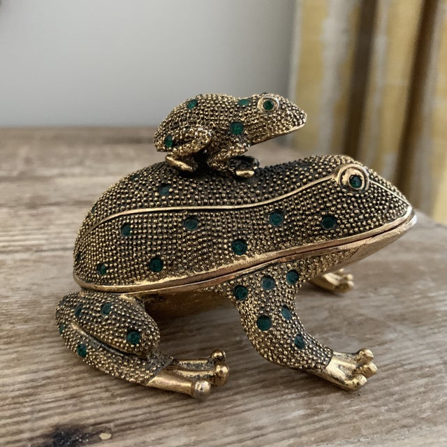 Bejeweled Gold Frog Paperweight and Desk Accessory Set For Sale - Image 11 of 11
