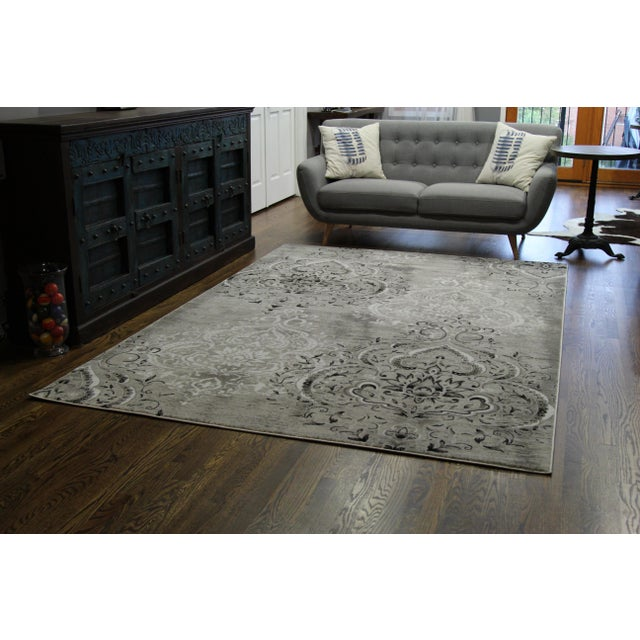 "Damask Gray & White Rug- 5'3"" x 7'7"" For Sale In Chicago - Image 6 of 8"