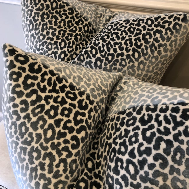 "Traditional Schumacher ""Madeleine Velvet Cadet"" 22"" Pillows-A Pair For Sale - Image 3 of 7"