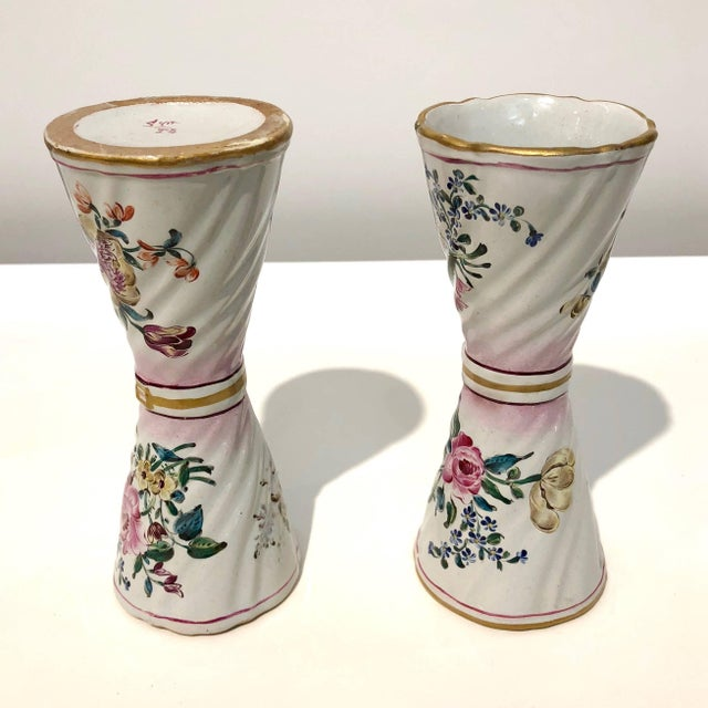 1870s St. Clement French Faience Majolica White Pink Flower Vases - a Pair For Sale - Image 12 of 13