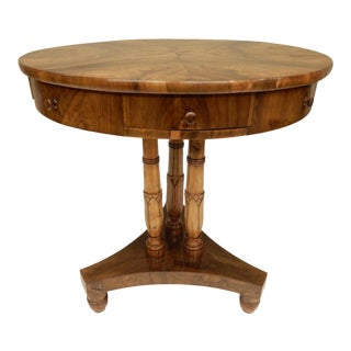 Early 19th Century Biedermeier Walnut Gueridon For Sale