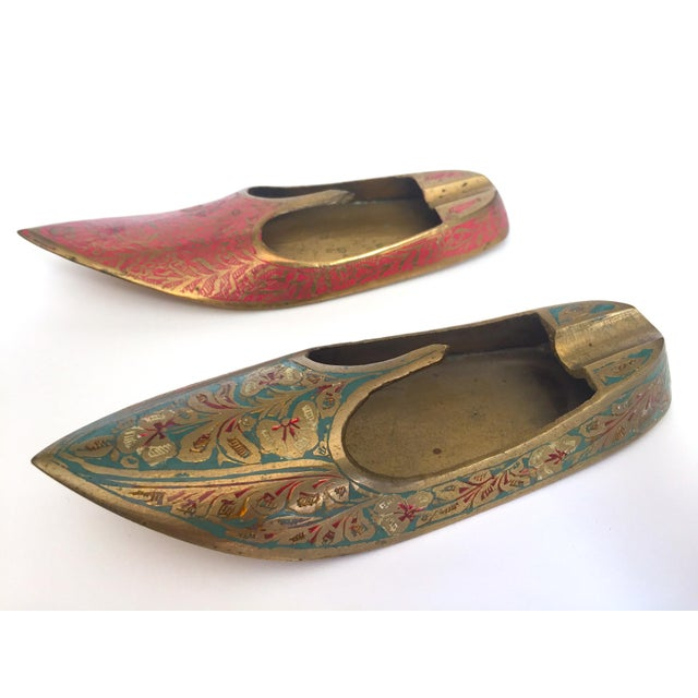 Vintage Mid Century India Cast Brass Incised Enamel Shoes Incense Burner Ashtrays - Set of 2 For Sale In Kansas City - Image 6 of 13