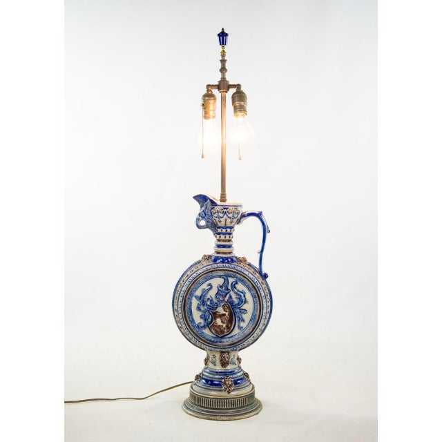 Italian 1920s Neoclassical Italian Porcelain Pitcher Double Light Table Lamp For Sale - Image 3 of 12