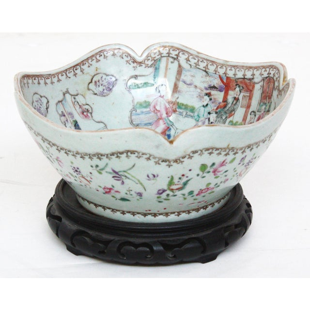 Early 19th Century Early 19th Century Chinese Export Bowl For Sale - Image 5 of 6