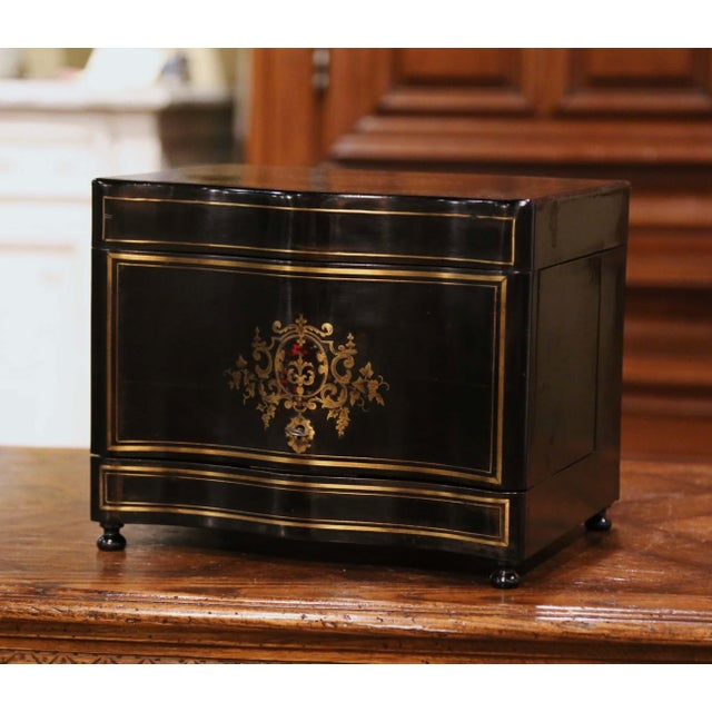 French 19th Century French Napoleon III Mahogany and Bronze Inlaid Liquor Box For Sale - Image 3 of 13