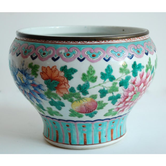 19th Century Chinese Famille Rose Cachepot For Sale - Image 4 of 10