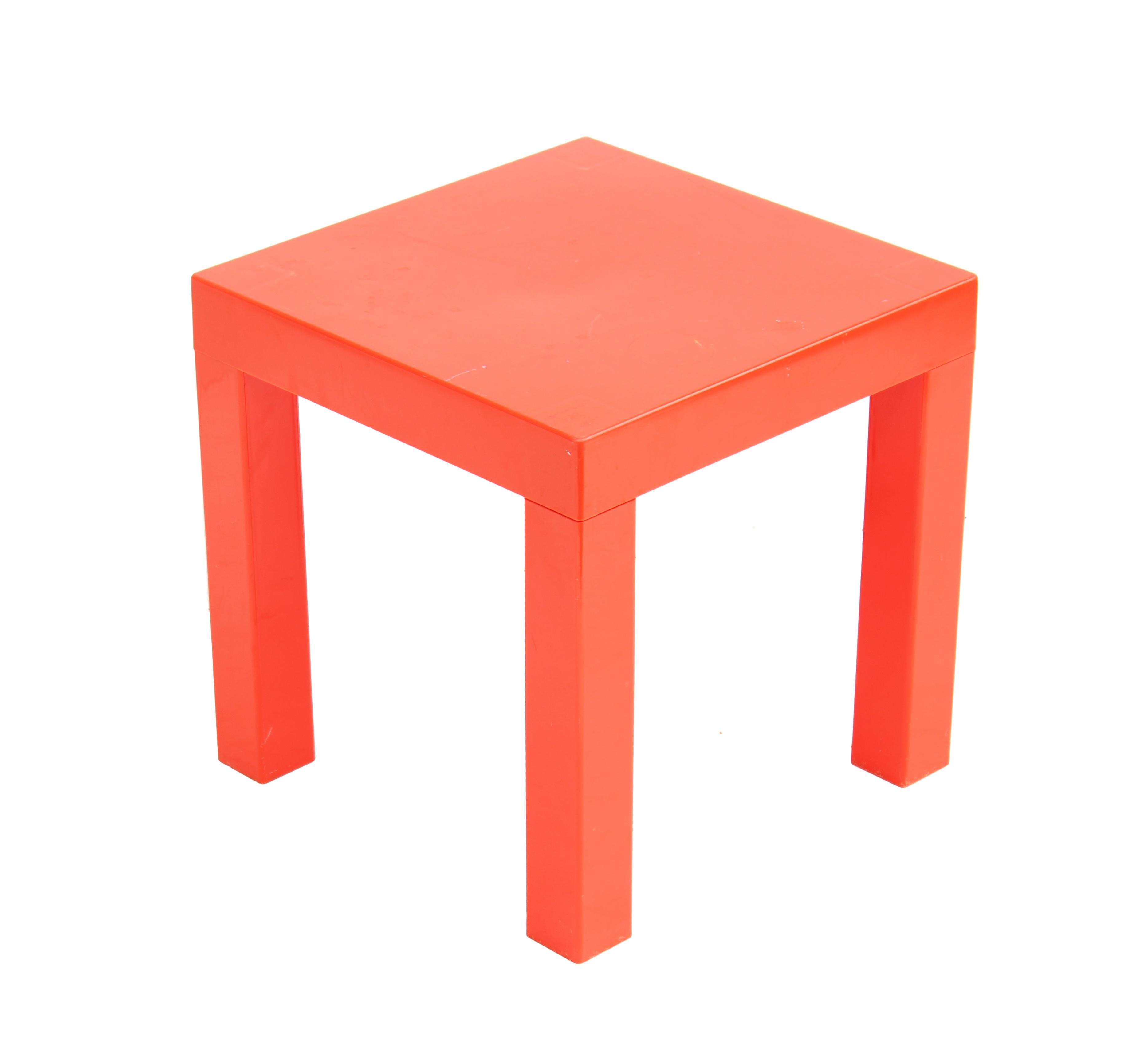 Mid Century Modern Red Acrylic Parsons Side Table For Sale   Image 3 Of 5