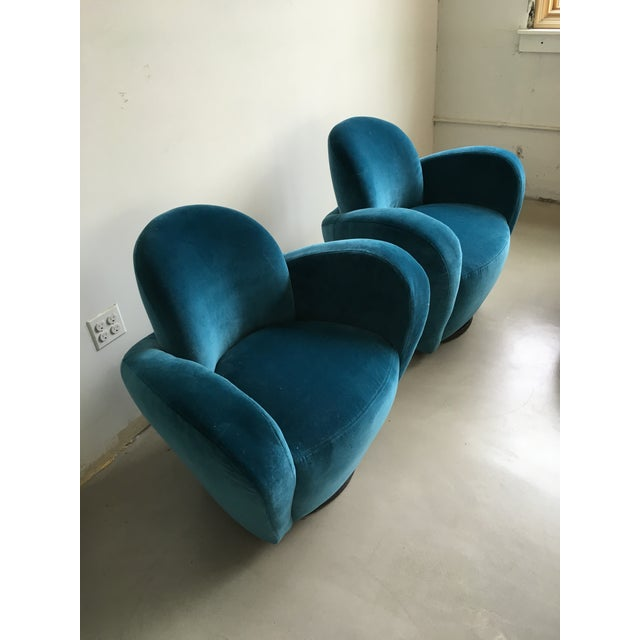 Vladimir Kagan Blue Velvet Wrap Around Swivel Chairs, a Pair For Sale In New York - Image 6 of 8