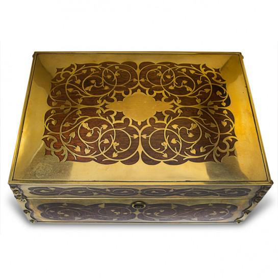 19th Century Antique English Arts and Crafts Style Mahogany Cigar Humidor With Brass Inlaiy For Sale - Image 11 of 11
