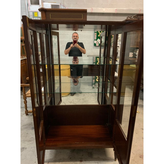French 1910s Antique Louis XVI Style Mahogany Bookcase / Vitrine For Sale - Image 3 of 13