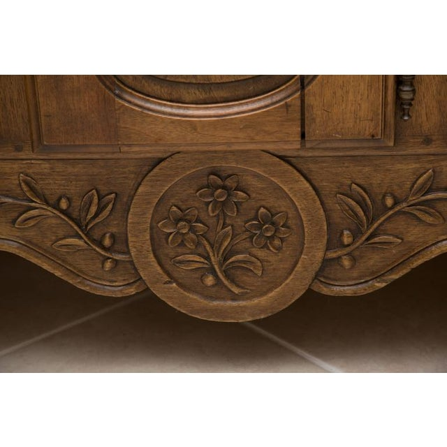 Louis XV 20th Century, French, Louis XV Style Walnut Buffet with Super Structure For Sale - Image 3 of 10