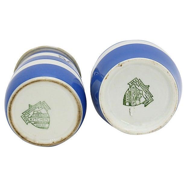 Cabin English Cornishware Salt & Vinegar Set For Sale - Image 3 of 4