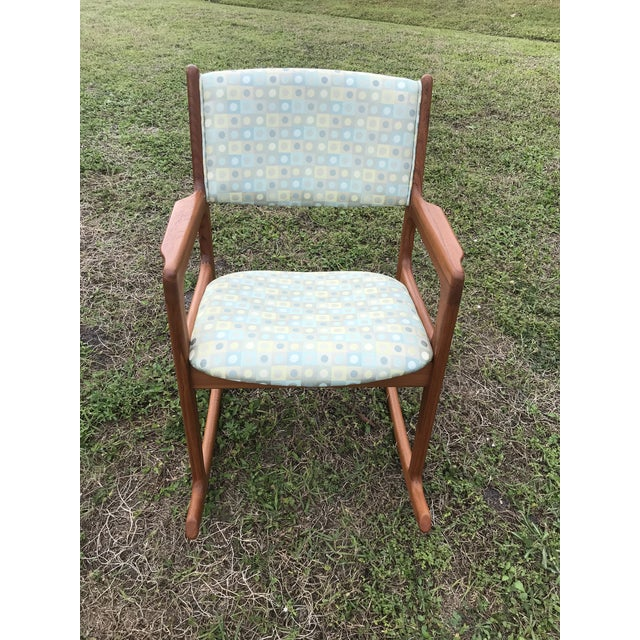 This is a beautiful mid century chair that brings you back to the 1950's . Made in Denmark for Castro furniture company in...