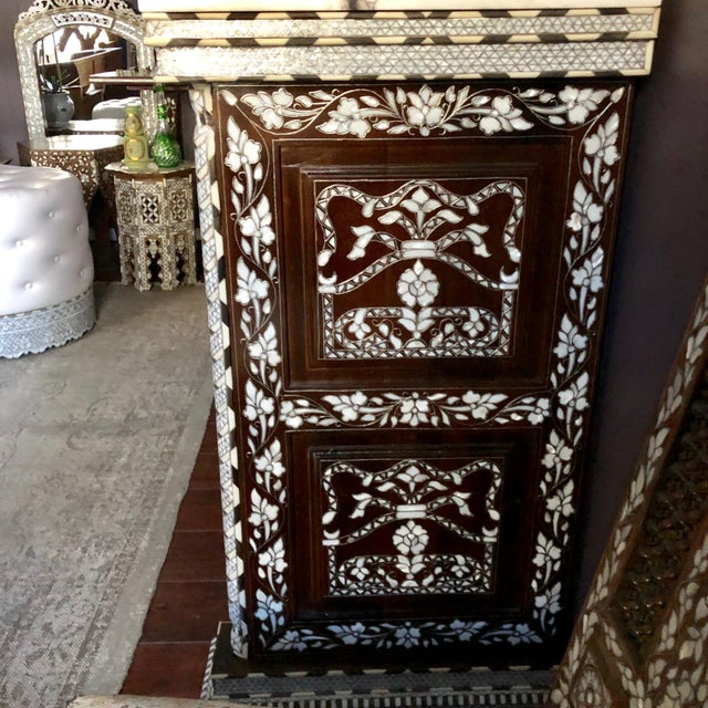 Moorish All White Syrian Mother of Pearl Inlay Dresser For Sale In Los Angeles - Image 6 of 10