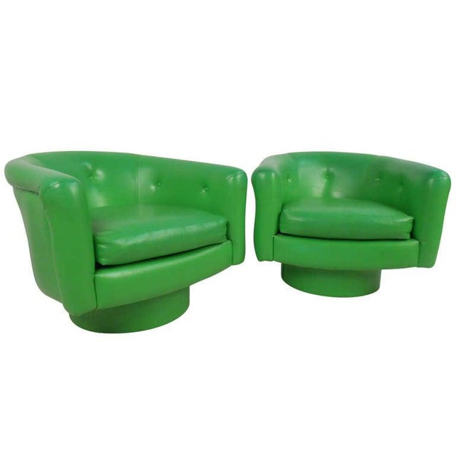 1970s Pair of Vintage Lounge Chairs With Swivel Base For Sale - Image 5 of 5