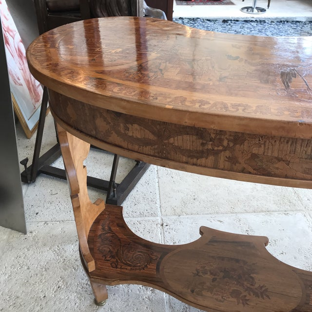 Antique French Marquetry Inlaid Wooden Kidney Desk For Sale In Miami - Image 6 of 13