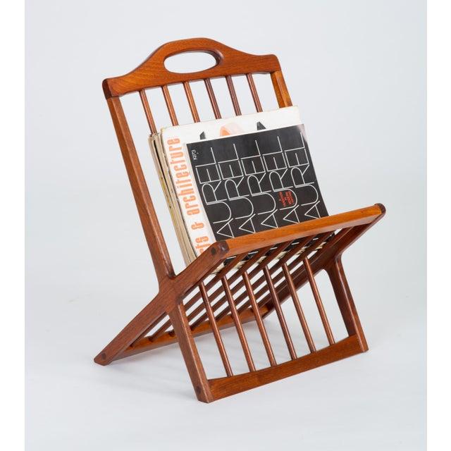 Wood 1950s Walnut Magazine Rack by Arthur Umanoff for Washington Woodcraft For Sale - Image 7 of 11