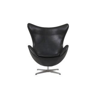 Black Leather Egg Chair by Arne Jacobsen for Fritz Hansen For Sale