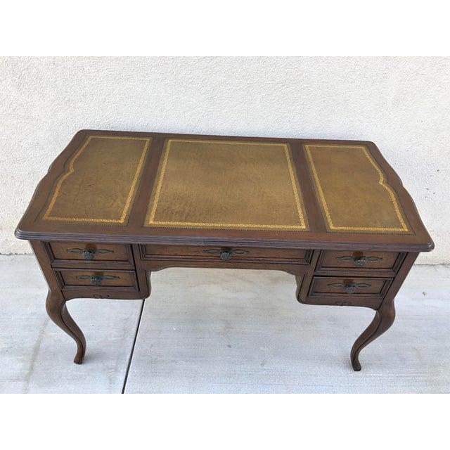 Original Vintage Sligh Furniture Leather Top Writing Desk For Sale - Image 11 of 13