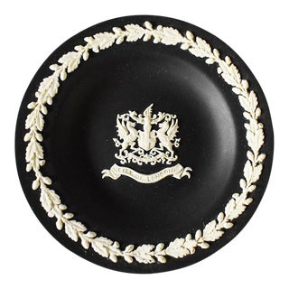 Black Round Jasperware Wedgewood Catchall Dish City of London For Sale