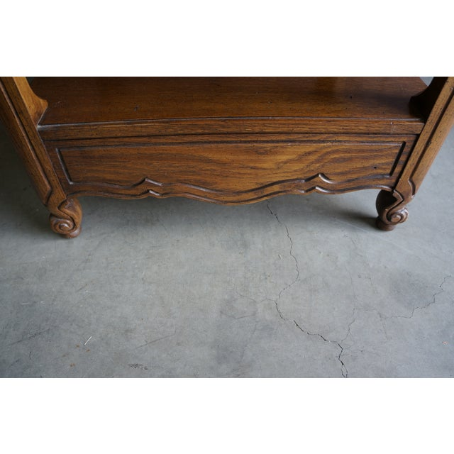 1970s French Provincial Thomasville End Table For Sale - Image 9 of 12