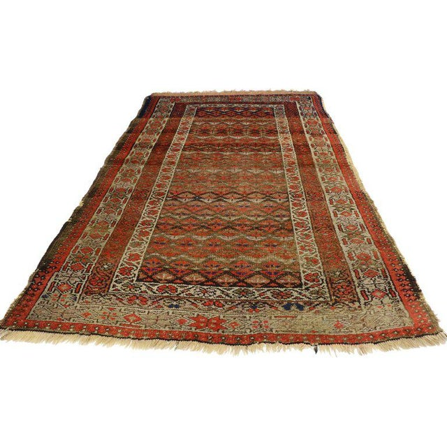 70981, antique Persian Sarab rug with rustic style. This hand knotted antique Persian sarab rug features an all-over...