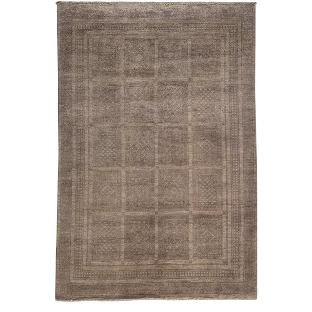 "Vibrance Hand Knotted Area Rug - 5'6"" X 7'10"" For Sale"