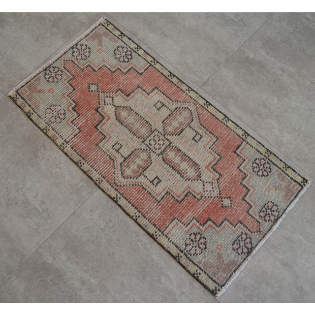 """Hand Knotted Door Mat, Entryway Rug, Bath Mat, Kitchen Decor, Small Rug, Turkish Rug - 1'7"""" X 3'2"""" For Sale - Image 4 of 5"""