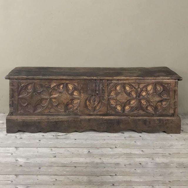 17th Century Spanish Trunk For Sale - Image 4 of 12