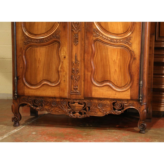 Exceptional 18th Century French Carved Walnut Wedding Armoire from Provence For Sale In Dallas - Image 6 of 11