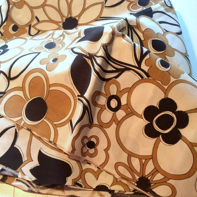 Danish Modern 1960s Danish Modern Floral Print Fabric - 3 Yards For Sale - Image 3 of 3